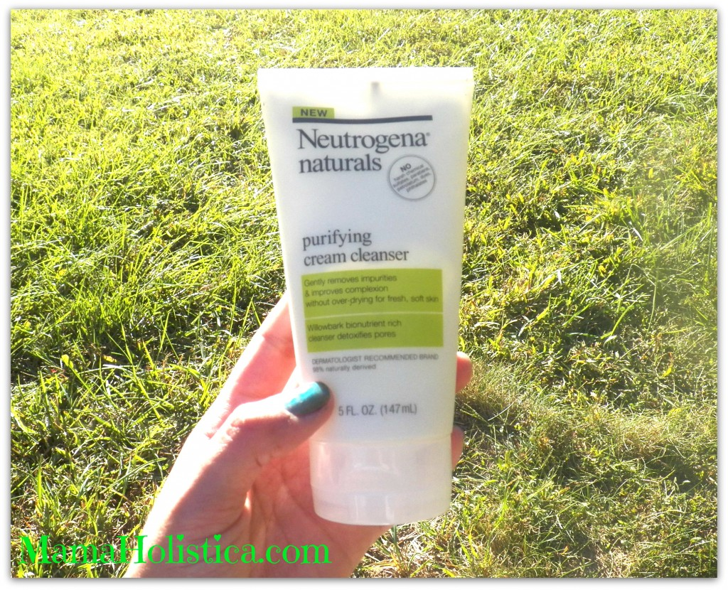 Nuevo NEUTROGENA® Naturals Purifying Cream Cleanser.